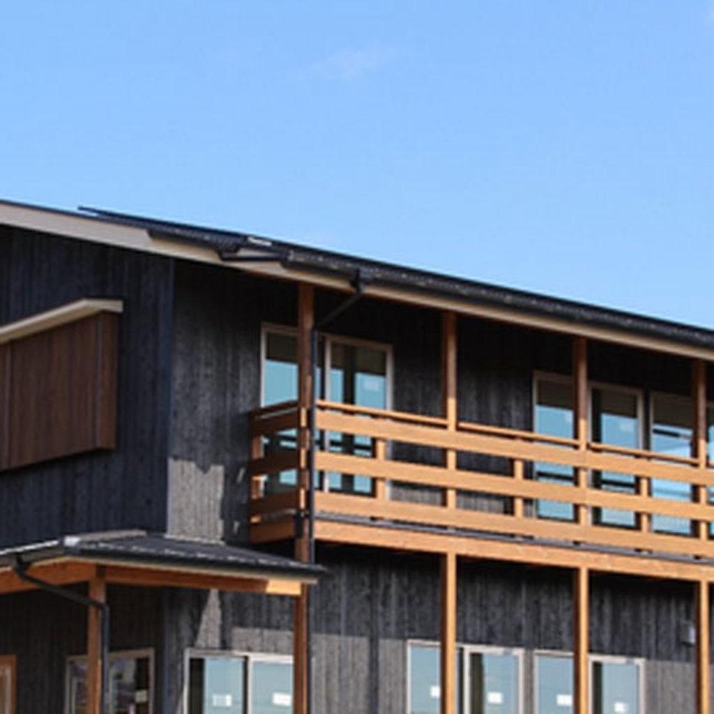 中も外も木でできた、薪ストーブと大きな土間のある家 完成見学会@矢掛町小林