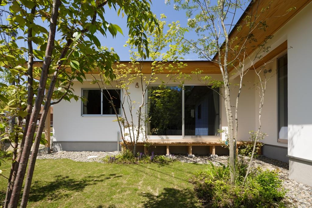 おがけんスタッフが建てた 「自然美」の平屋 完成見学会