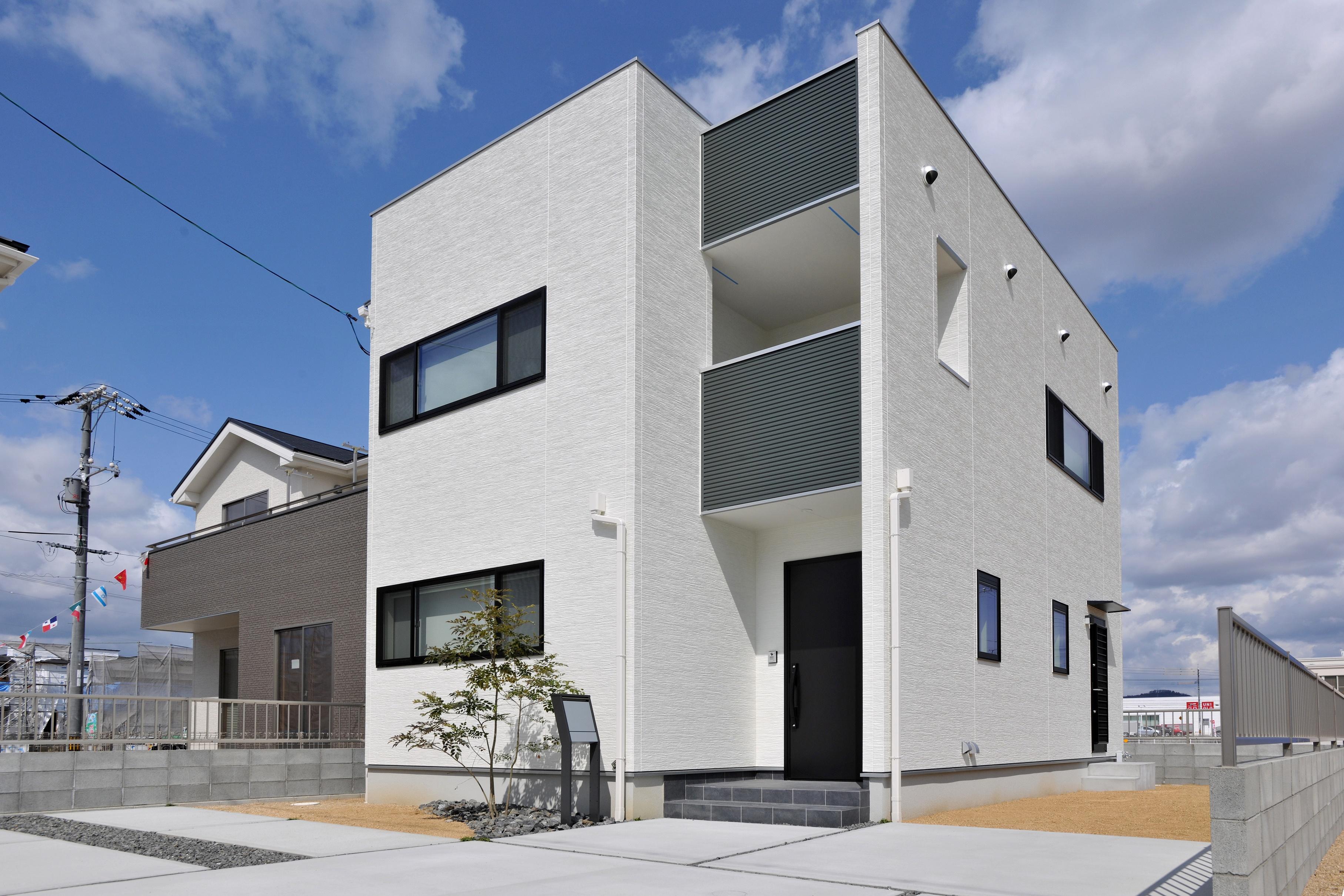 無垢×アイアン インダストリアルデザイン 「UNOウーノ」大島モデルハウス販売。